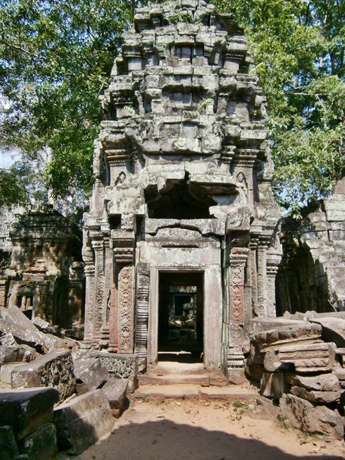 Angkor Wat Ruins 5