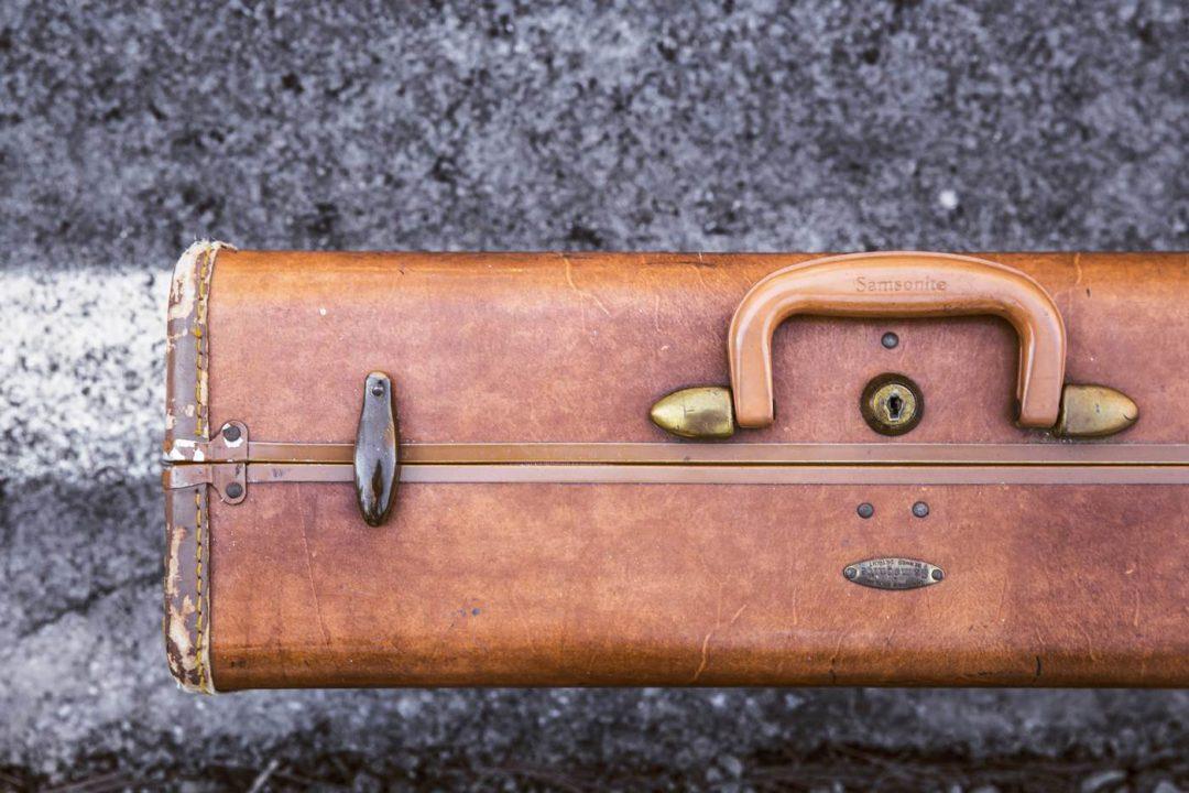 How to Survive Long Haul Flights 18 International Flight Tips (2)