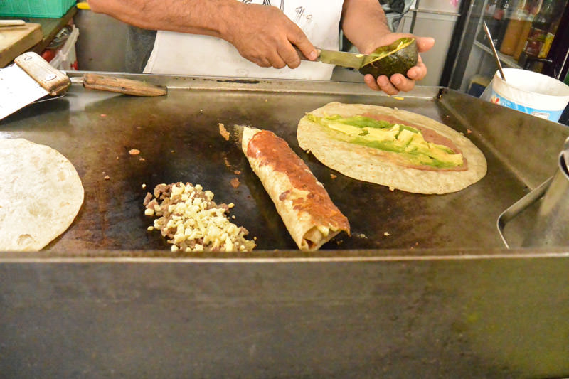 Eat Mexico Food Tour : Burritos