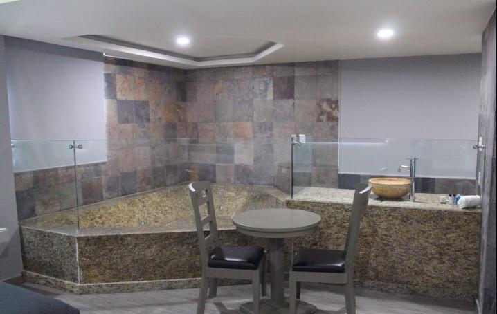 MX Congreso Airport Hotel 2