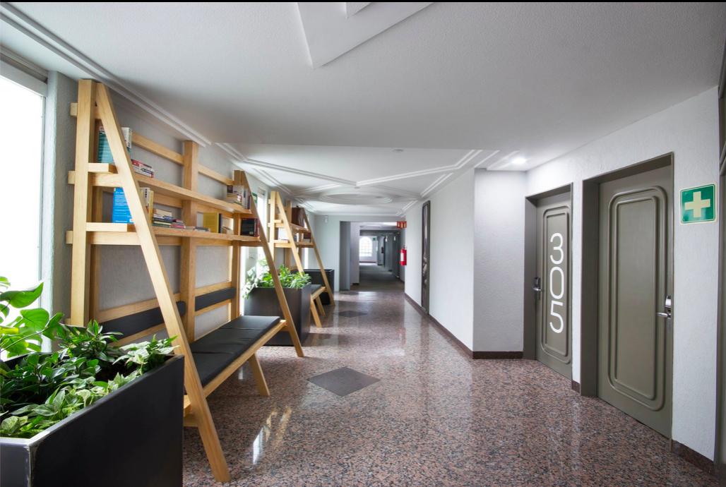 MX Congreso Hotel